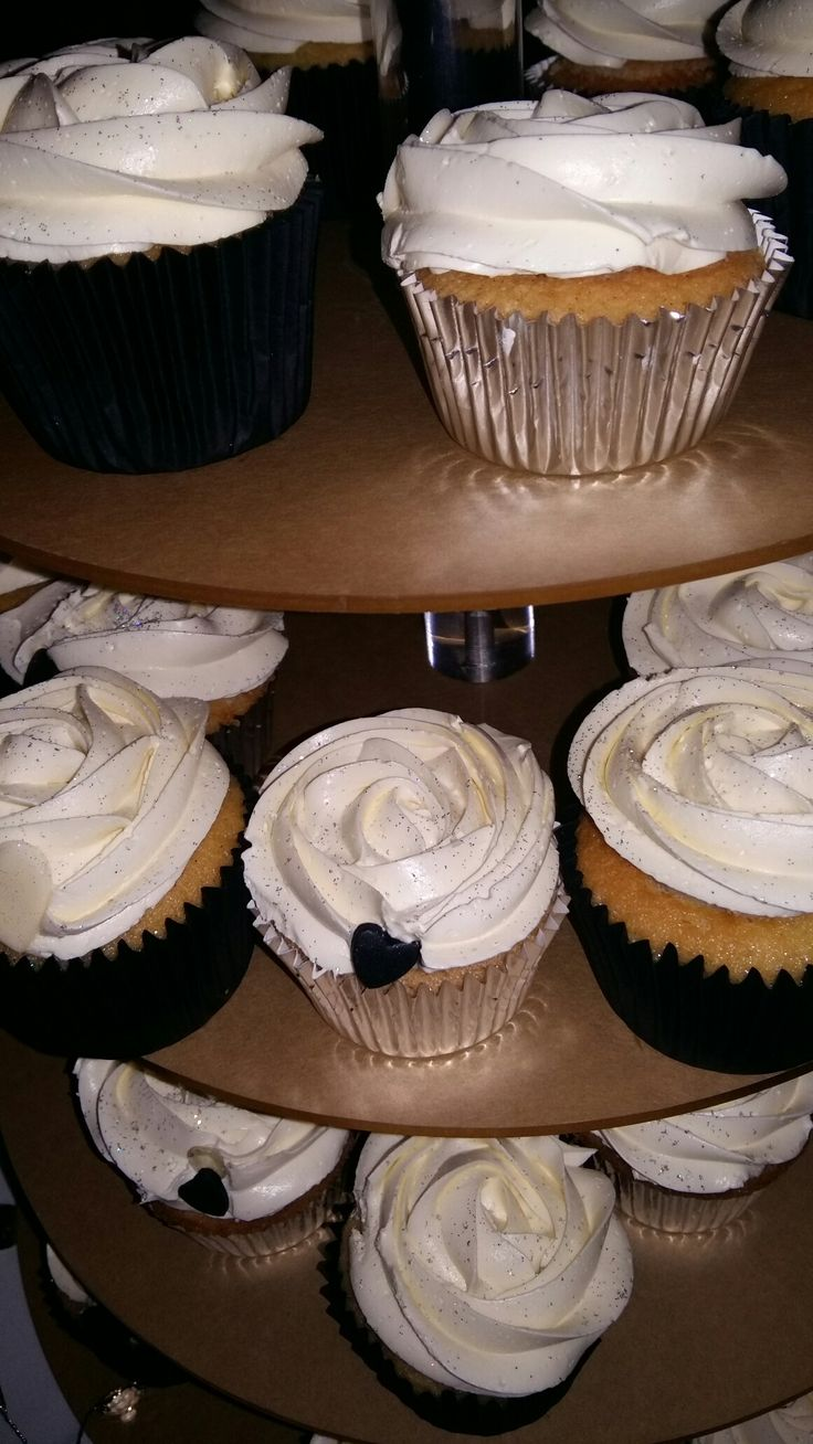 Wedding cupcakes. The theme was black and white loved it. The cakes were amazing!!! XD