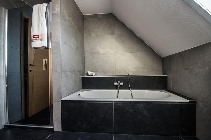25 beste idee n over zolder badkamer op pinterest - Badkamer onder het dak ...