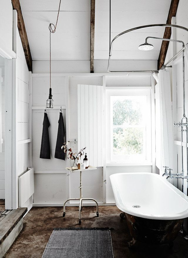 The most beautiful bathroom E.V.E.R at The Estate Trentham, Australia. Photo - Lisa Cohen.