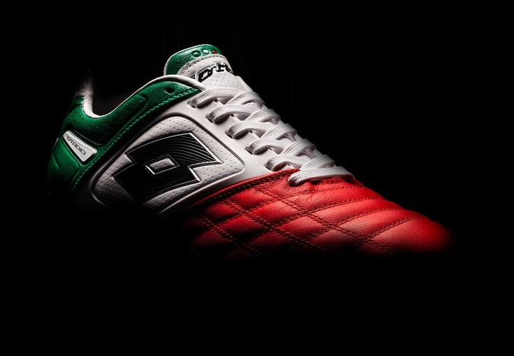 Lotto Sport Italia tribute to the #Italian #flag