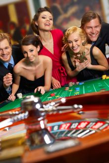 Every online casino that we recommend offers a myriad of gaming options and there are hundreds of different types of entertainment to choose from. Additionally they check that the software that powers a site is suitably impressive and only recommend establishments that make use of one of the leading gaming brands.