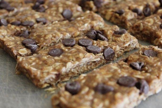 Chocolate Chip Peanut Granola Bars | TheMarathonMom.com
