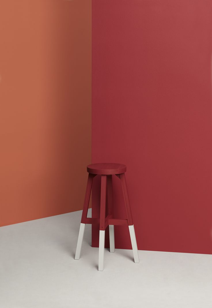 Warm up to fall with a bold colour palette, crisp, clean lines and structure.