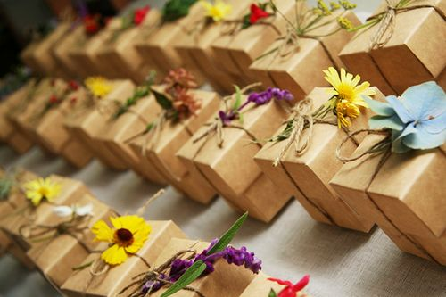 8 ways to save money on wedding favors | Offbeat Bride. Cute box wrapping