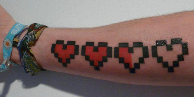 Sempre foi dito que as tatuagens são criadas de acordo com a personalidade de cada pessoa.As fotos abaixo certamente comprovam isso.Algumas são estranhas, outras são engraçadas, mas todas elas te…