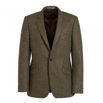 Magee have been specialising in jackets for over 140 years. The Dillon is a tailored fitting jacket. The fabric is classic moss green/brown tweed. Features include brown elbow patches, slant pockets, contrasting two-tone under-collar and side vents. This timeless casual jacket is a must for your wardrobe.