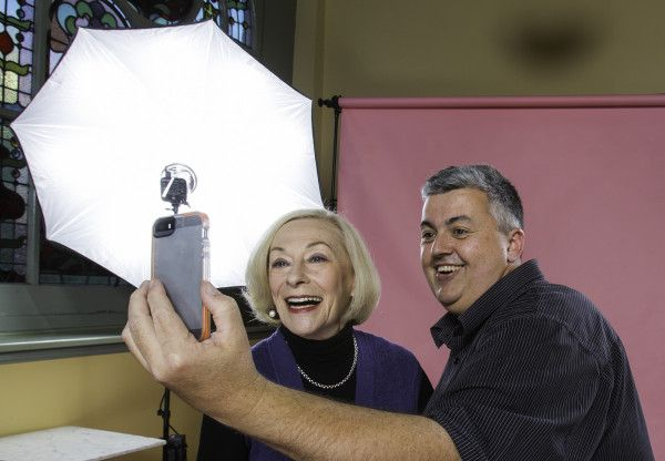 Behind the scenes photo shoot Noeline Brown, Photo Studio On Location   Craig Sillitoe Photography