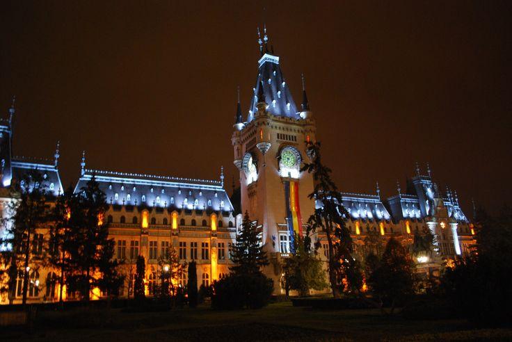 Palatul-Culturii-noaptea.jpg 1.549×1.037 pixels