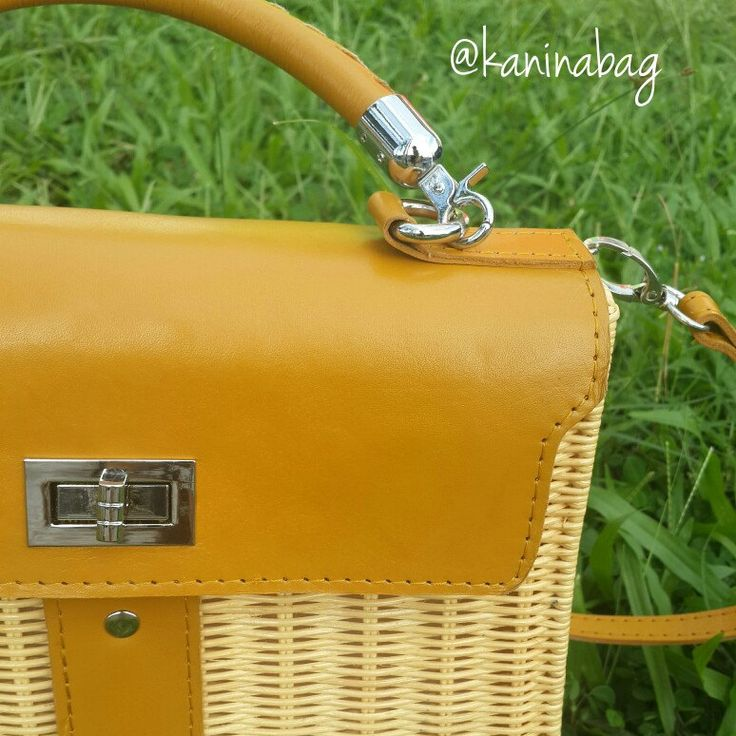 The leather is so strong and firm. Hermes kelly rattan bag