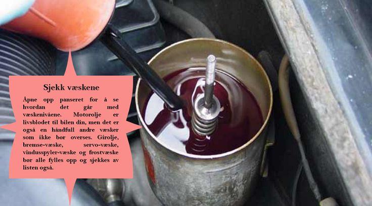 Dobbeltsjekk alle væskene dine  Selv om bilen din bare står i oppkjørselen, så kan de vitale væskene i minke. Vær sikker på å sjekke olje, bremsesylinder og radiator-tanker, servostyrings-væske og girolje-nivåer. Dette vil holde langt for at bilen din fortsetter å kjøre jevnt uansett hvor du reiser i sommer. #sommerdekk