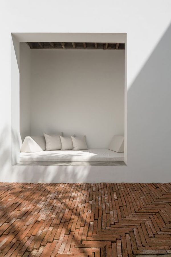 Tucked in daybed / windowseat - Herringbone brick floor