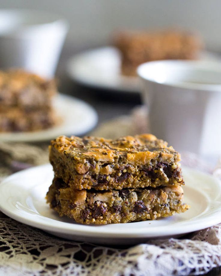 11. Slow Cooker Quinoa Energy Bars #bars #cheap #recipes http://greatist.com/eat/diy-energy-protein-bar-recipes