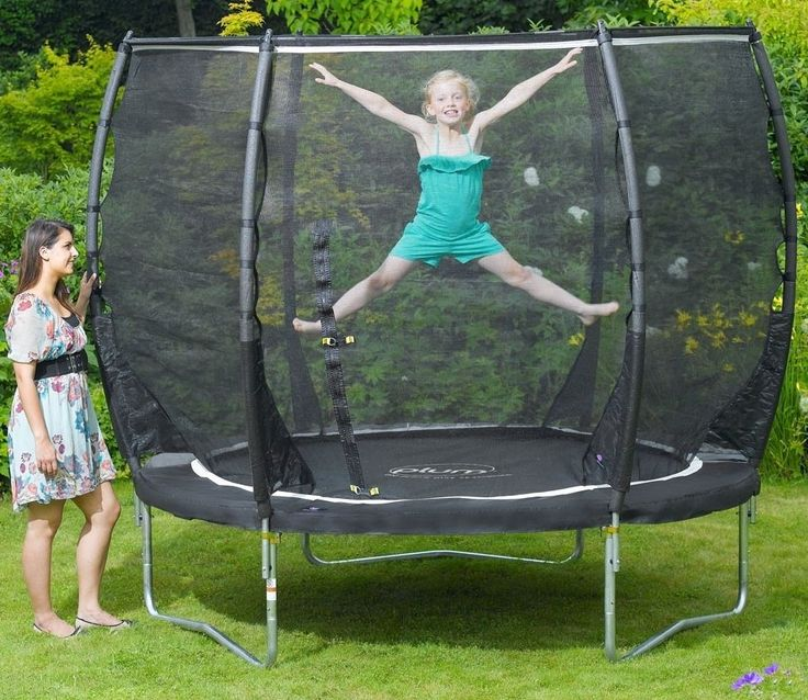 Magnitude 8ft Trampoline and 3G Enclosure by Plum Products