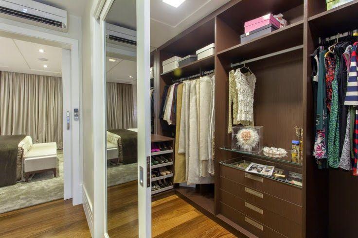 Closet, portas correr, madeira, marrom