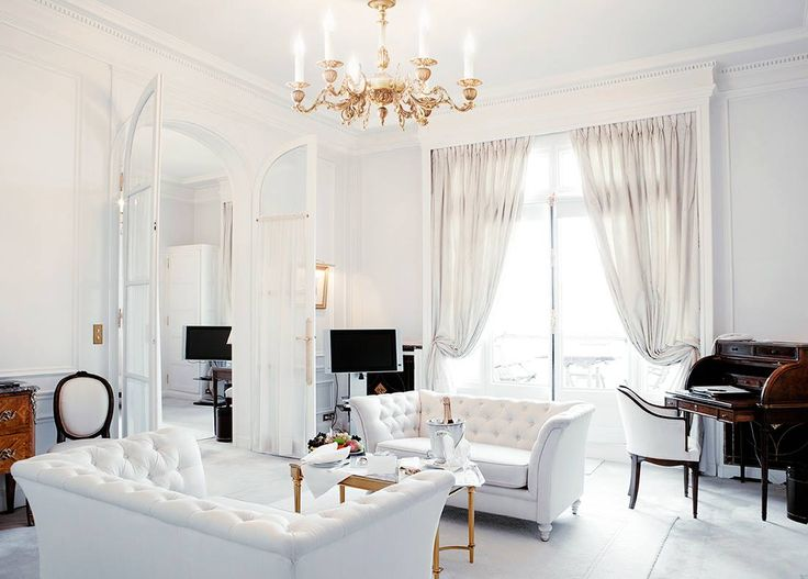Brass - ornate chandelier #brass #chandelier #vintage #design #old #interior #photo #photography #gold #yellow #lights