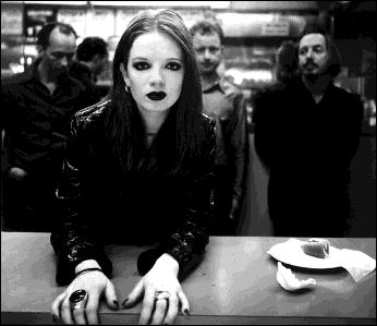 GarbageMusicians Portraits, Favorite Music, Favorite Things, Garbage Cups Of Coffe, Shirley Manson, Garbage Band, Beautiful People, Music Artists, Favorite Bandss