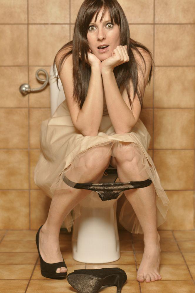 miranda cosgrove making herself wet naked