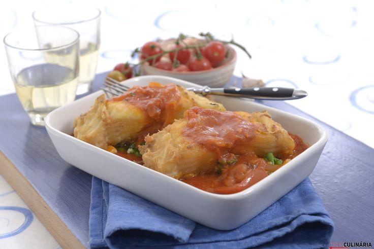 Bacalhau frito com molho de tomate