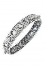 Tribebyamrapali-Silver Zircon Sun Motif Engraved Bangle