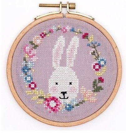 990 best images about cross stitch on pinterest embroidery punto cruz and mini cross stitch - Le comptoir des p tites fees bondues ...