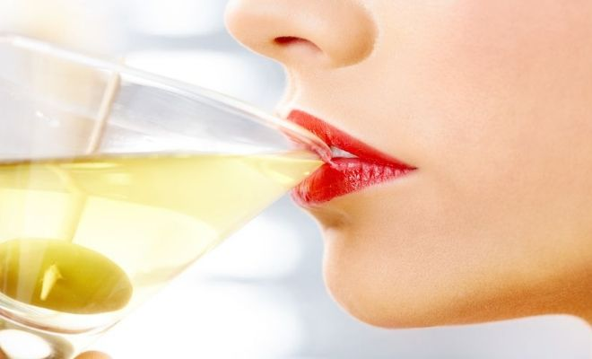Bottoms Up! Is Moderate Drinking Healthy For You?How Do You Deal With Holiday Parties?  #drinks#drinking#alcohol
