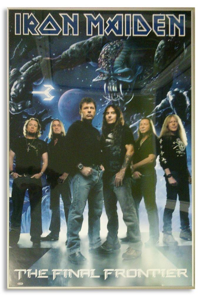 Iron Maiden - Plakat oprawiony w szarą aluminiową ramę.