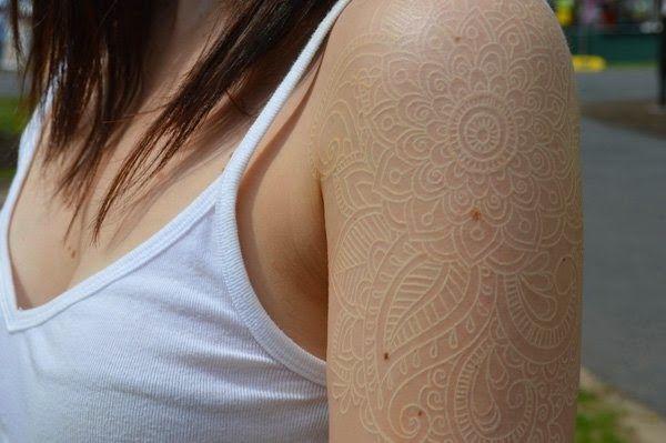 33 inspira es de tatuagens brancas para sua pr xima tatuagem latest on blog da rachel pinterest. Black Bedroom Furniture Sets. Home Design Ideas