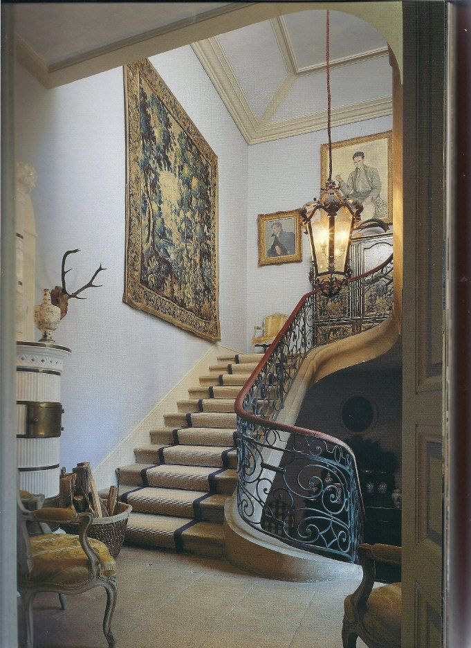 58 best staircases and entrance halls images on pinterest for Staircase ideas near entrance