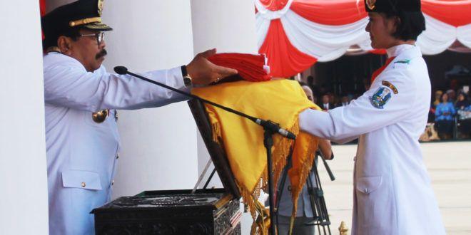 Soekarwo: Peringatan HUT ke-71 Kemerdekaan RI sebagai Momentum Memperkuat Daya Saing di Era MEA