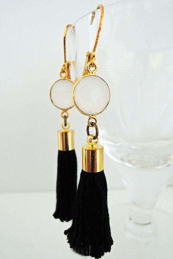 Tassel earrings by Nikkotakko