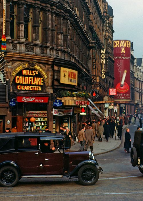 London, Piccadilly Circus, 1950 Piccadilly Circus trough the time