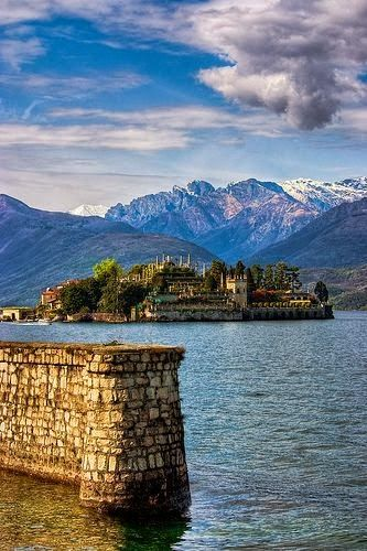 Isola Bella, Lake Maggiore, one of the most beautiful places I've been. Take me back to senior year of high school!