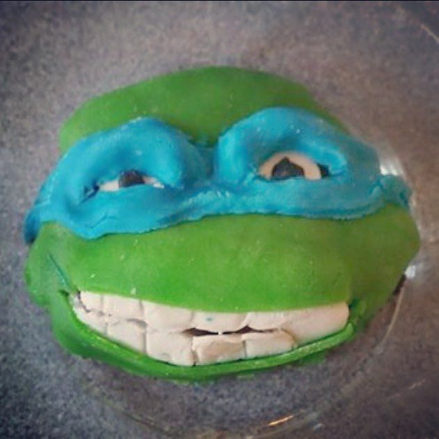 Camilla har laget knall tøff Ninja Turtle kake med #fondant fra #hobbykunst #connieshobbykunst #hobbykunstmegastore - knall tøff #kakebaking