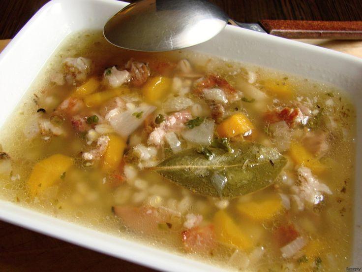 Uzená polévka s kroupami