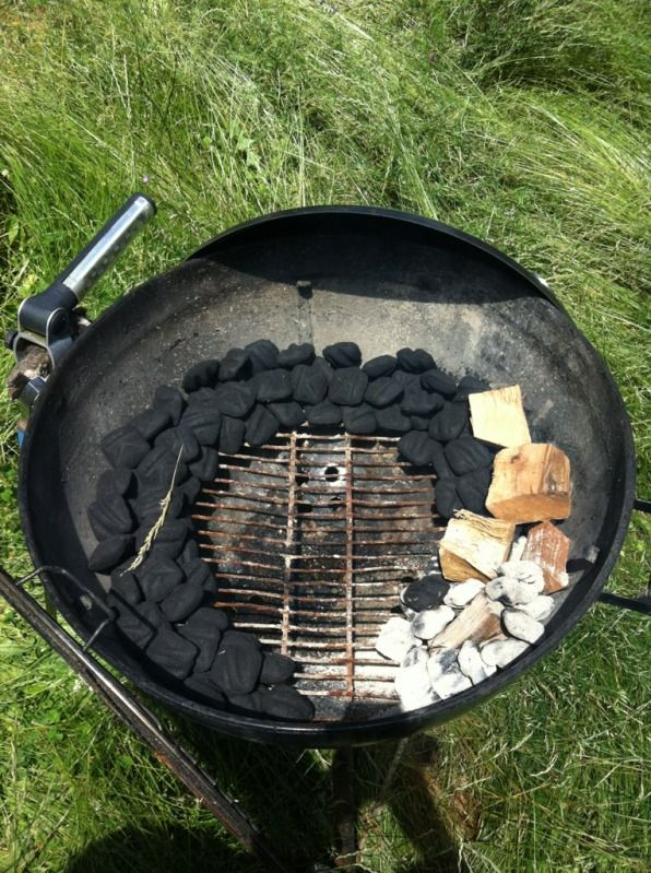 Snake method for slow and low cook on a Weber kettle