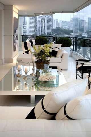 20 inspiring rooms and home decor ideas to help you bring a little bit of glamour into your life. See more here.