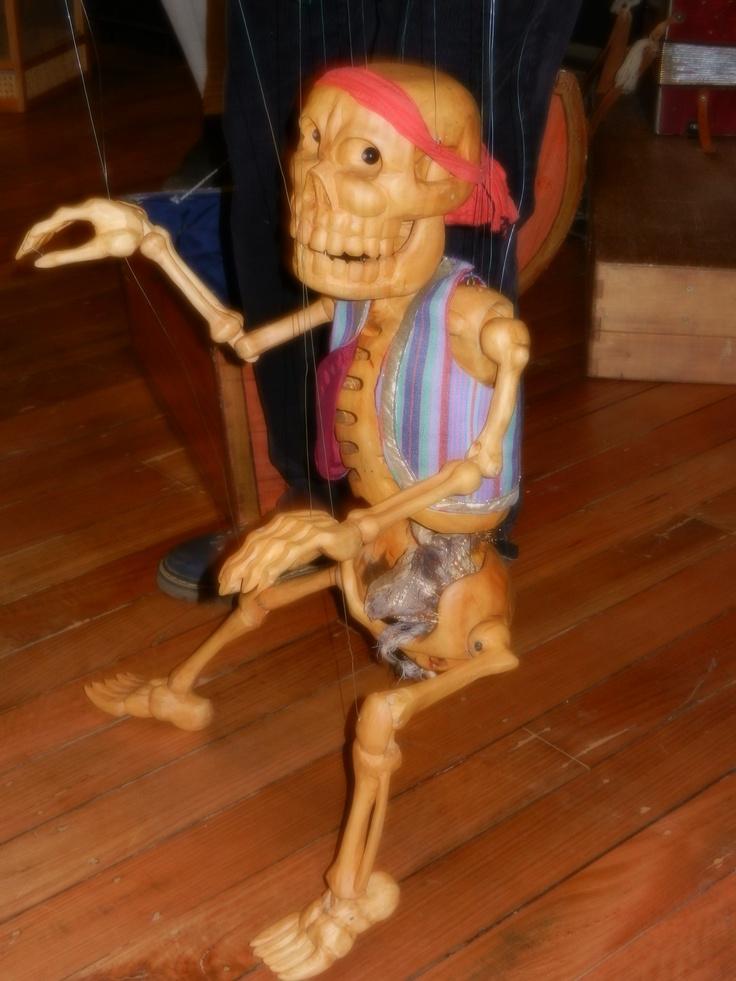 A bare bones puppet!