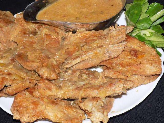 magiczna kuchnia Kasi: Wołowina duszona w cebuli z ogórkiem kiszonym