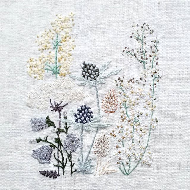 With this design I won the National Gallery 'Design a Bouquet' competition! (Due to be announced Tuesday 15th Sept)  These flowers all come from the Margate coastline, where Turner loved to paint. From left to right: Lady's Bedstraw, Queen Anne's Lace, Harebells, Sea Holly, Hare's Foot Clover and Meadowsweet! 😊 (tbh I really want to improve both the design and color scheme but am happy to have finished a 'draft'!)