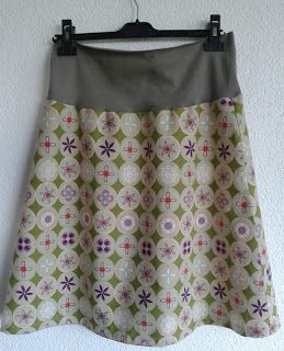 Home made skirt, pattern from the Allemaal rokjes book. Skirt with tricot, nice and easy!