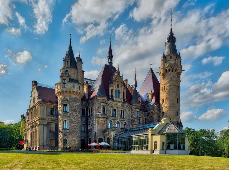https://flic.kr/p/KaMUuJ | Moszna Palace, Poland | web.facebook.com/buenavistaschodzinski/