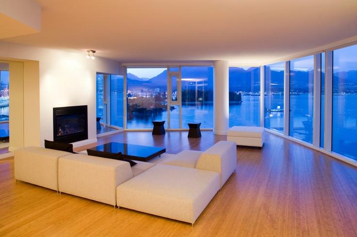 #Decoracion #Moderno #Sala de estar #Mesas de centro #Puertas #Vidrio #Sofas #Taburetes