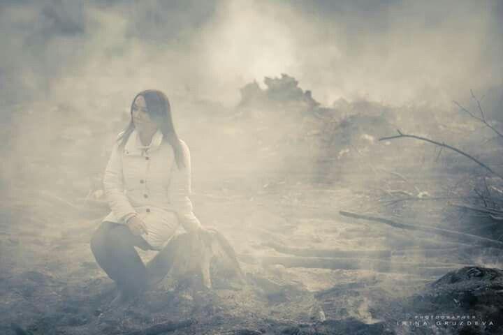 Illusion. photo I.Gruzdeva www.irinawedfoto.tu  Это не дымовые шашки, это дым от срубленных деревьев...