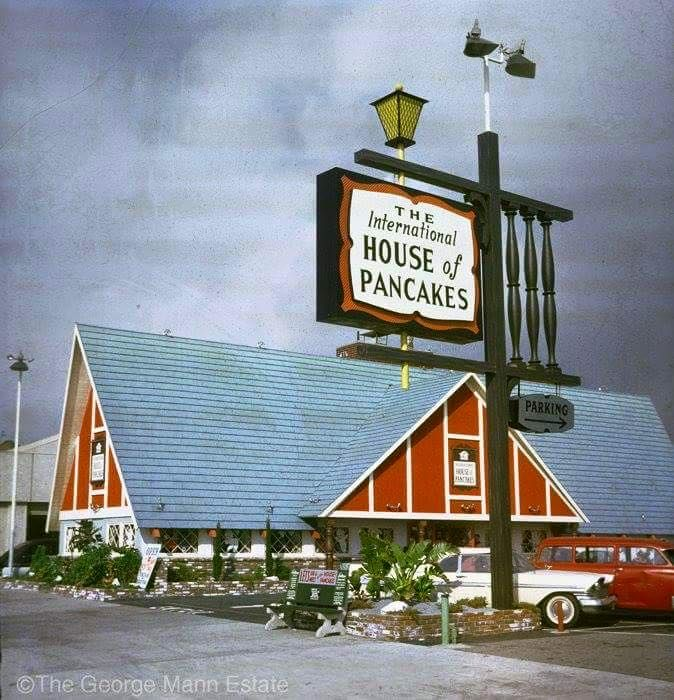 Vintage International House of Pancakes pitched-roof design.