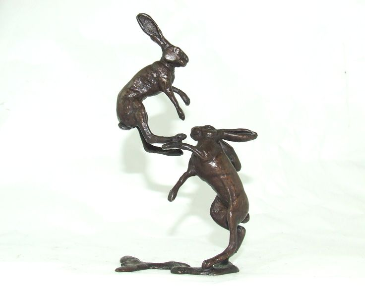 Bronze Boxing Hares by Steve Langford (cast by Wildlife in Bronze). Why do Hares Box or Fight? The contests were long believed to be between two male hares fighting for dominance to mate with a female.  But in fact the disputes are usually a reluctant female that is not yet ready to mate repelling the unwanted advances of an overexcited male.