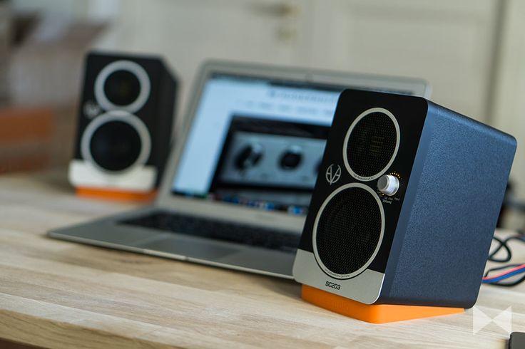 Die Aktivlautsprecher Eve Audio SC203 sind vielseitig einsetzbar: als Desktop-Speaker, als Soundbar-Ersatz oder als Regallautsprecher an der HiFi-Anlage. http://www.modernhifi.de/eve-audio-sc203-test/