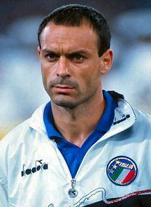 Salvatore Schillaci máximo goleador con seis goles.