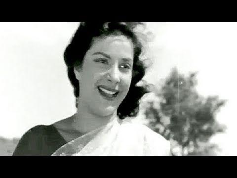 ▶ Panchhi Banoo Udti Phiroon - Lata Mangeshkar, Nargis, Chori Chori Song - YouTube