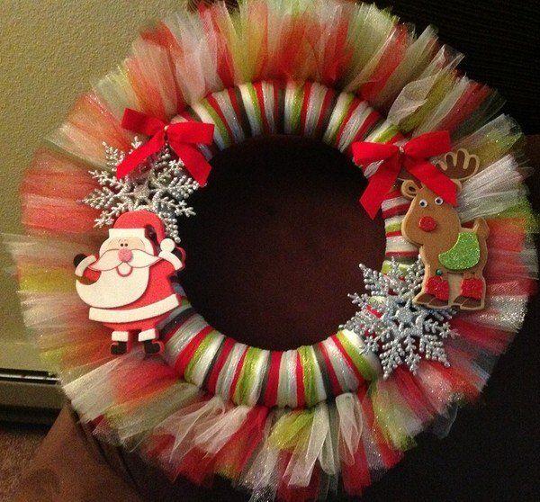 Coronas Hechas Con Tul Para Navidad Dale Detalles Coronas Navideñas Como Hacer Coronas Manualidades Navideñas
