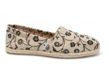 Embroidered Floral Women's Classics #toms Love these new TOMS.